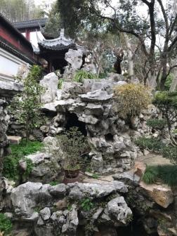 Steine sind das Wichtigste in einem chinesischen Garten
